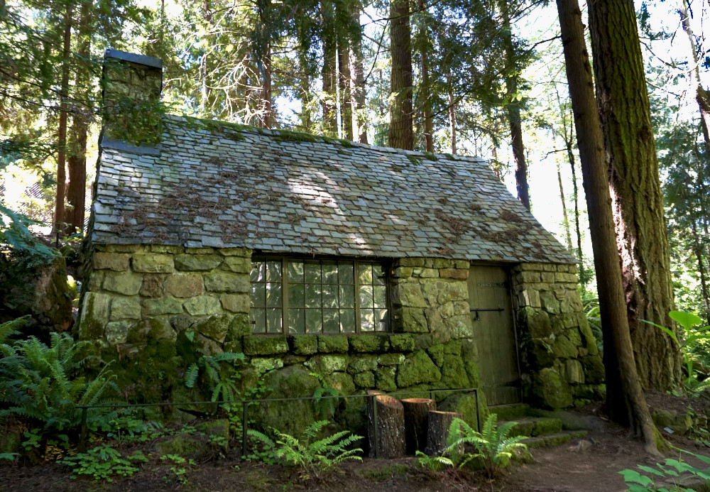 The complete guide to Portland gardens. Leach Botanical Garden stone cottage