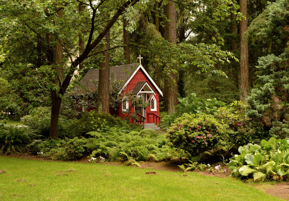 The complete guide to Portland Gardens | The Grotto's Red Chapel