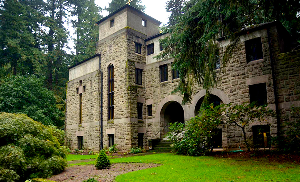 The complete guide to Portland Gardens | The Grotto Monestary